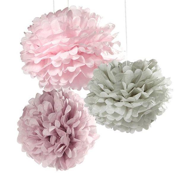 Pompons in angesagten Pastellfarben sind perfekt als Deko zur Hochzeit!