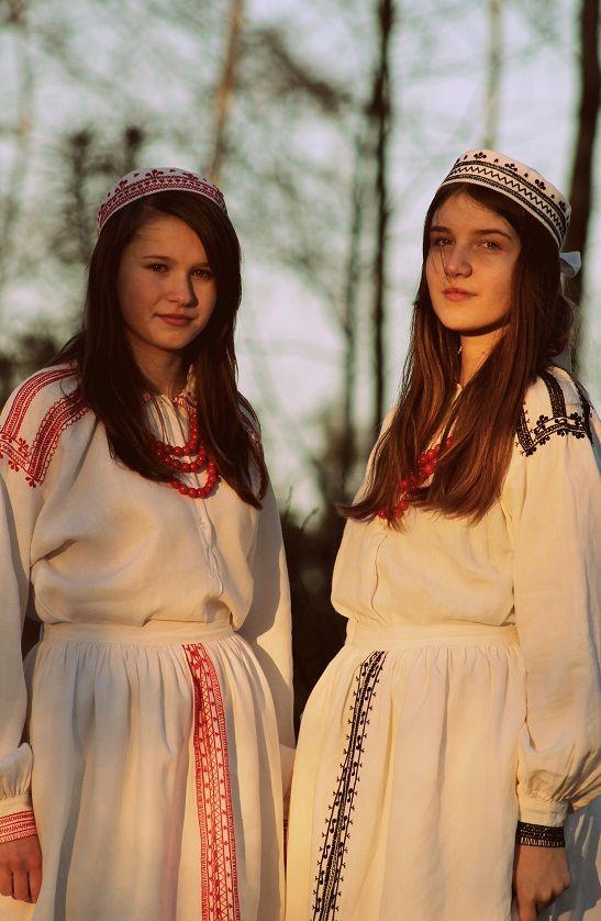 lunacylover:  Polish costumes:Biłgoraj-Tarnogród folk costume  Strój biłgorajsko-tarnogrodzki
