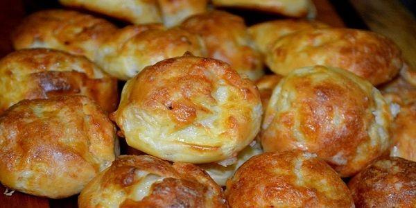 Сырные шарики в духовке - очень просто и оригинально ! французы называют гужерами, готовят их из заварного теста с добавлением сыра