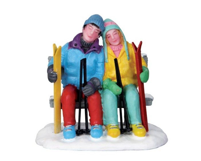 Lemax Village Collection Tired Skiers # 22015 $5.39