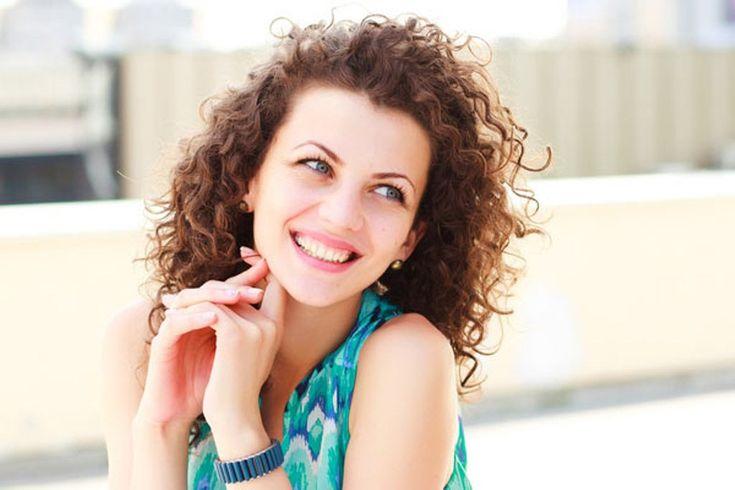 8 Cara Mudah Merawat Rambut Keriting - http://www.rancahpost.co.id/20150430644/8-cara-mudah-merawat-rambut-keriting/