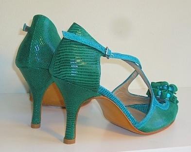 Zapatos que enamoran: tú te enamoras de los zapatos, ellos se enamoran de ti...círculo virtuoso ;)
