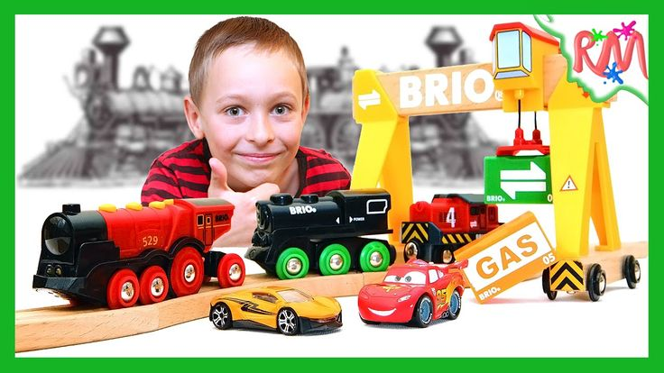 BRIO Trains RACING. Four Brio Locomotives compete who is fastest. Toys f...