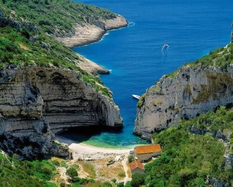 Stiniva Beach, Croacia | We Heart It