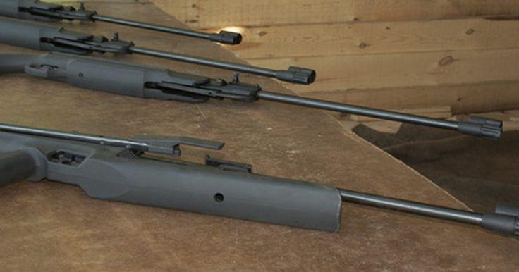 Cómo ajustar el gatillo en un rifle de aire comprimido Gamo. Los rifles de aire le permiten al tirador serio la oportunidad de practicar sin el ruido o el costo de rifles convencionales. Los rifles de aire comprimido Gamo son cada vez más populares entre los tiradores estadounidenses debido a su combinación de asequibilidad y calidad. Una ventaja significativa de un rifle de aire comprimido Gamo es su ...