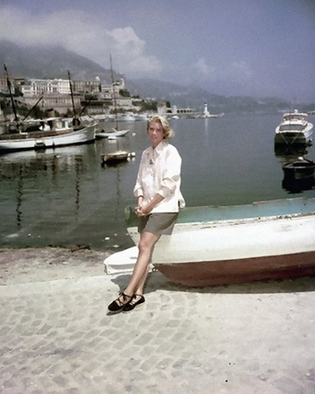 Grace On Location For To Catch A Thief 1955 In 2018 Pinterest Kelly Timeless Clic And White Shirt