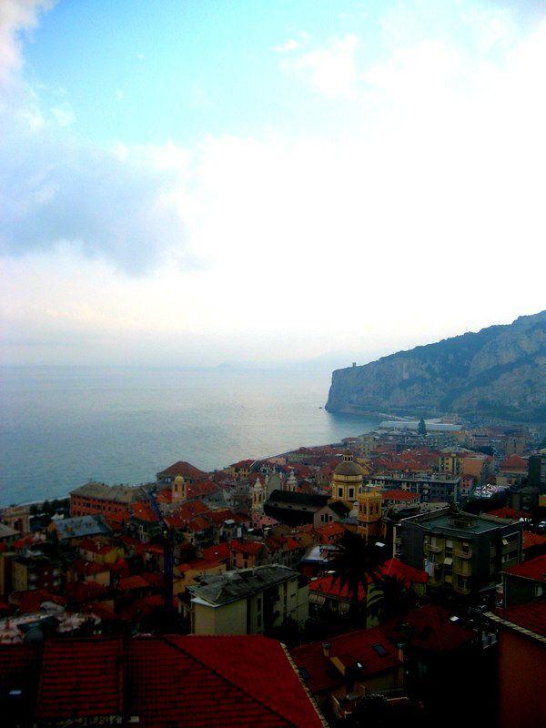 Stay in a Castle in Italy, Finale Ligure for under 20 bucks!  #HippieInHeels finale ligure, castle, italy, beach, coast, italian riviera