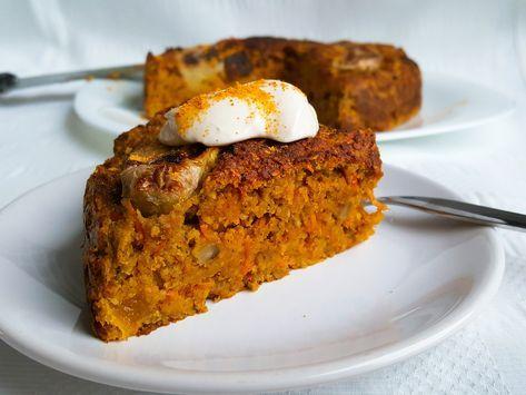 Deze taart is echt heel erg lekker en super gezond, ik at een punt als ontbijt en deed de overige stukken in de koelkast voor de dagen erna. Maar ook op een verjaardag of ander feestje zal hij zeker niet misstaan. Wat een verwennerij om te ontbijten met taart plus je begint je dag gelijk al met groente! Deze taart maakte ik in de airfryer, maar je kunt het uiteraard ook met een oven maken, verdubbel dan de tijd. Ingrediënten: 100 gram havermeel ( havermout kan ook) 100 gram amandelm...