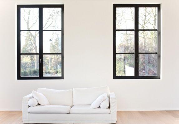Fenêtres noires en aluminium. Réalisation de Belisol Hasselt (BE).