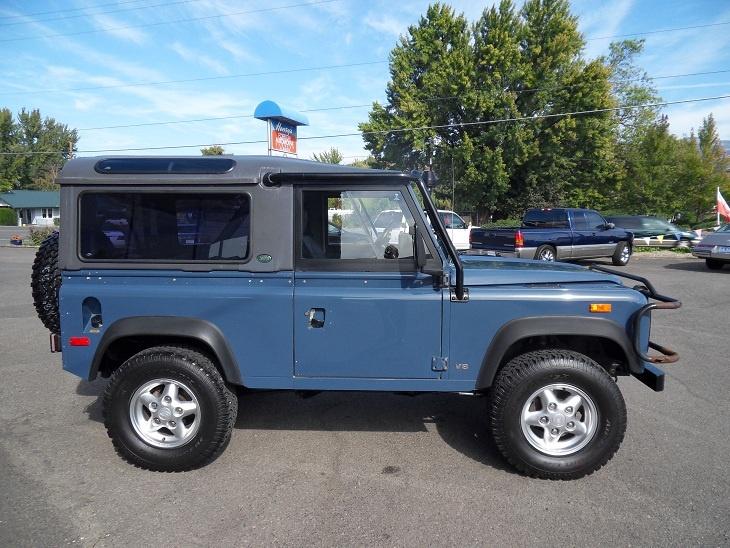 34 best land rover defender blue images on pinterest for Garage toyota arles