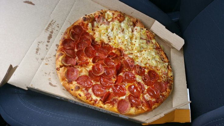 Large pizza Hawaii/ Pepperoni, Domino's Pizza.