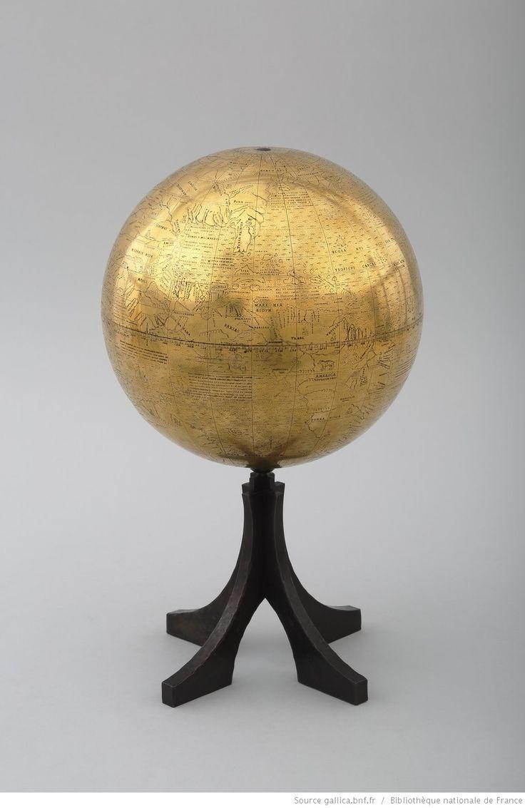globe doré 1527 1017×1566)