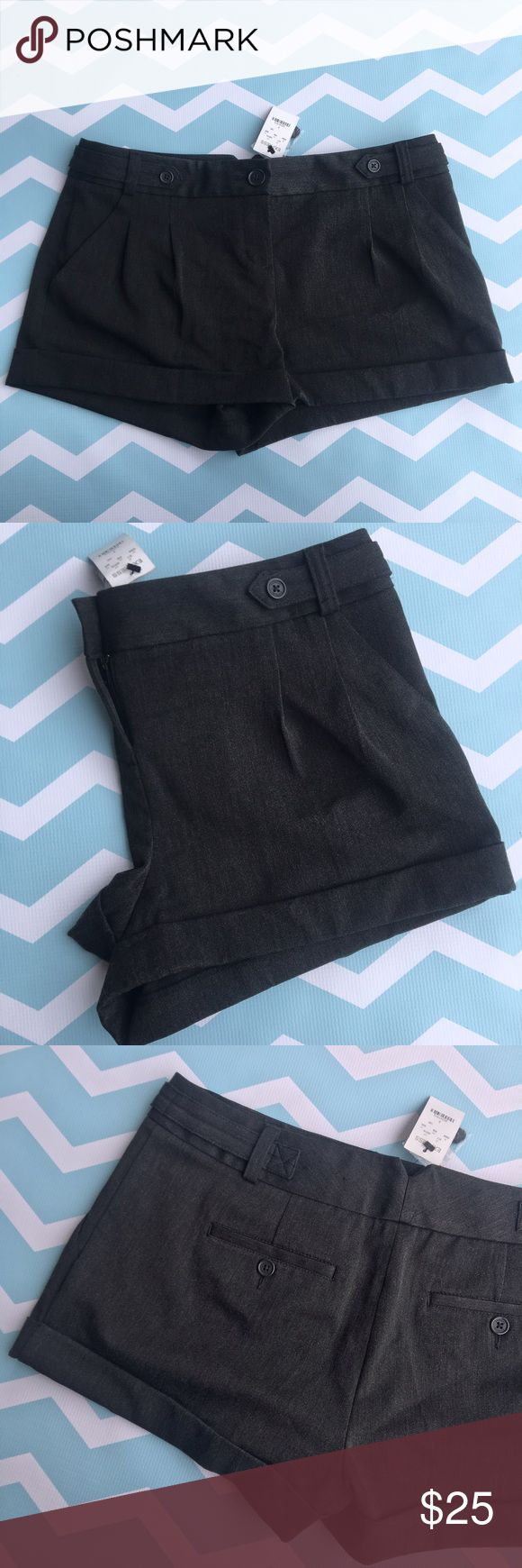 "NWT Express pleated gray shorts size 8 NWT Express pleated gray shorts size 8. Cute with a nice shirt and wedges/booties.   🍥Bundle deals available (I carry various sizes and brands in my closet): 2 items 10% off, 3 items 15% off, 4 items or more 20% off.  🍥No trades, modeling, or lowball offers please. 🍥All reasonable offers accepted only through ""offer"" button. Please submit offer willing to pay as I prefer to not counteroffer. 🍥I appreciate you all. Happy Poshing! Express Shorts"