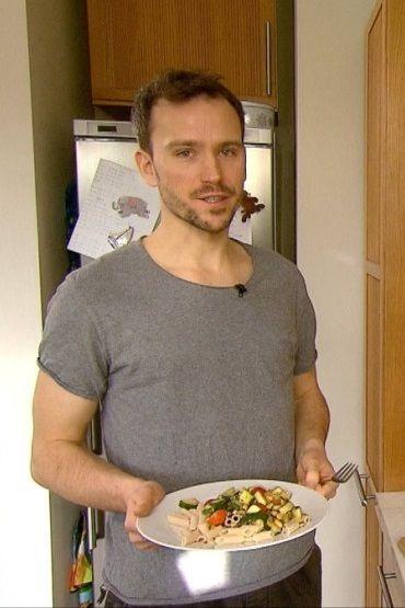 Pomysł na szybki obiad: wegańskie pesto z cukinii - http://tvnmeteoactive.tvn24.pl/dieta,3016/pomysl-na-szybki-obiad-weganskie-pesto-z-cukinii,189691,0.html