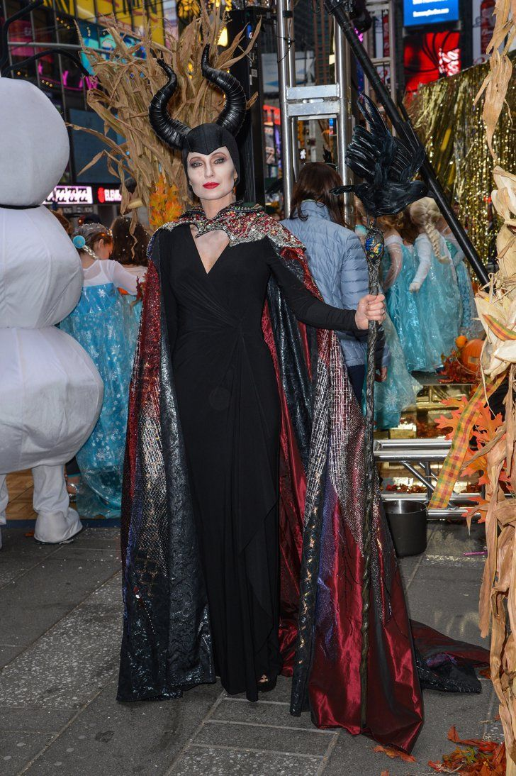 Pin for Later: The All-Time Best Celebrities in Pop Culture Costumes Maleficent Good Morning America's Amy Robach channelled the Disney villain in 2014.