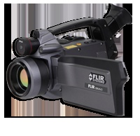 FLIR SC620, FLIR SC640 and FLIR SC660    Highest sensitivity and most advanced feature set availableon portable cameras. Supplies a combination of infrared and visible spectrum images of superior quality and temperature measurement accuracy – plus contrast optimizer, laser pointer, voice annotation and a host of other advanced features.