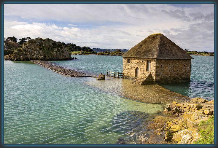 Sur l'Ile de Bréhat  Le moulin à marée du Birlot