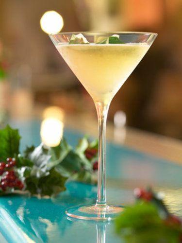 Glass: Martini Ingredients: 35ml Tanqueray gin 12.5ml Drambuie 5ml fresh lemon juice Cinnamon stick and holly leaf to ganishMethod: Step one...