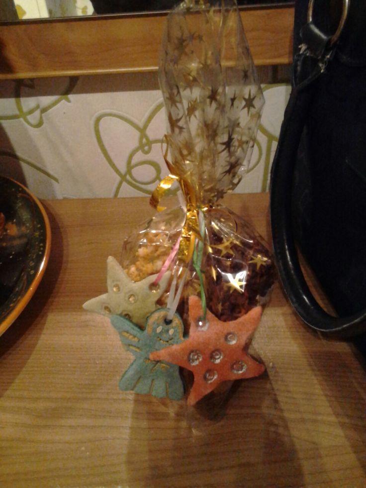 Weihnachtsplätzchen mit Salzteigschmuck