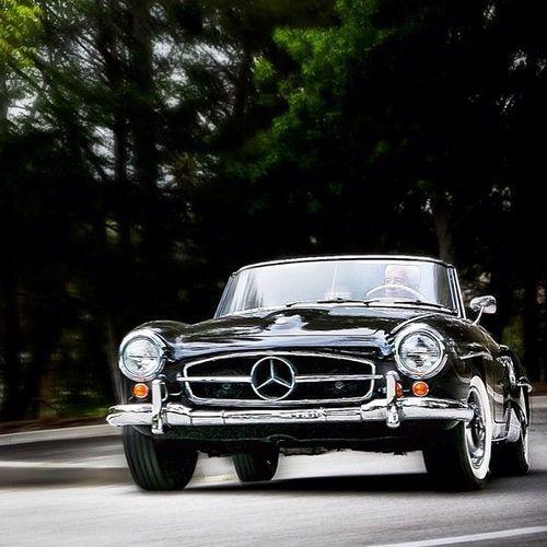 1959 Mercedes-Benz 190SL.