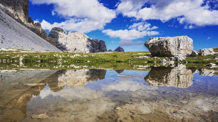 @enarasacha  #bidaia #drivingmyvan  #beautifulplaces #mirrow #landscapes #viajeitalia #liveyourdreams #wanderlust #mochilerotv #mountains #lakes #dolomiti #cortinadampezzo #viajeitalia #travellerwomen