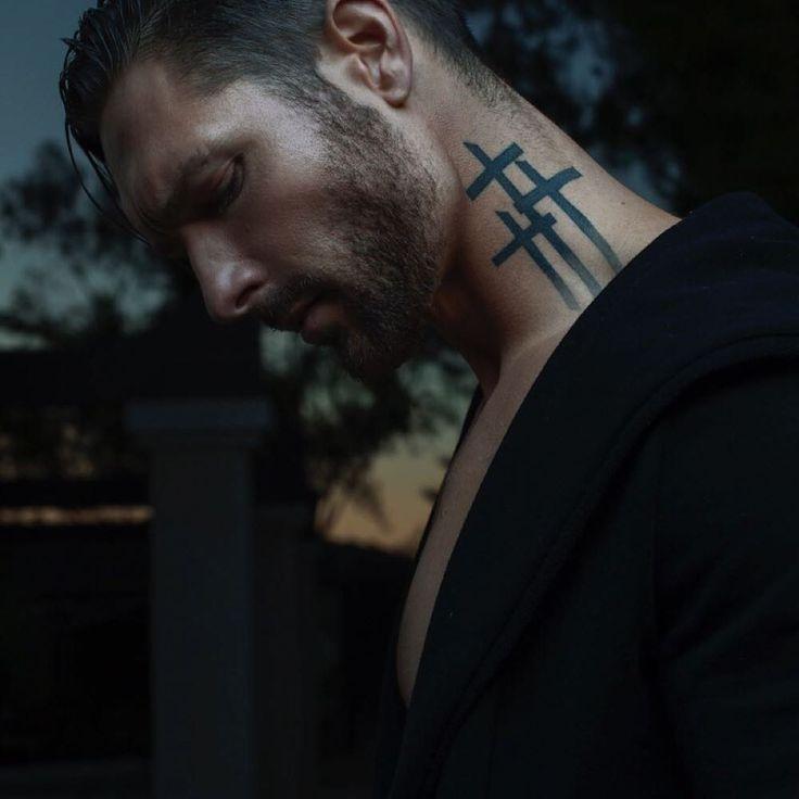фото тату крест на голове годы чтобы