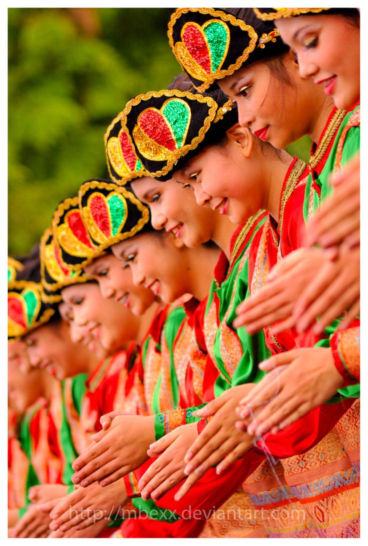 Saman, a traditional dance from Aceh, Indonesia.