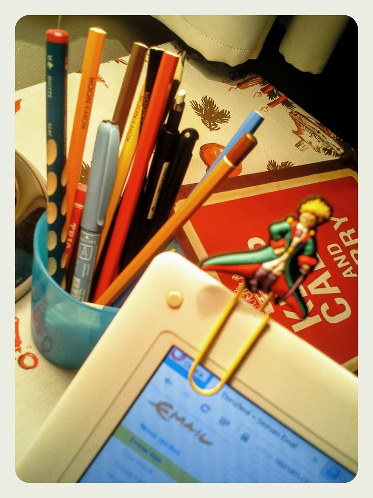 Na pracovním stole mám nového, poněkud malého, zato šikovného pomocníka :)