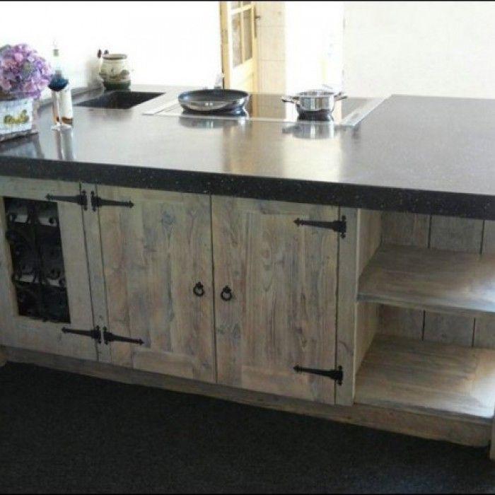 Keuken gemaakt van steigerhout