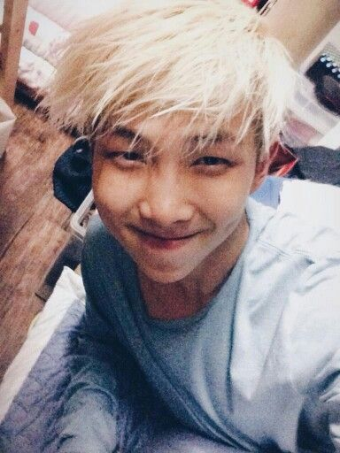 NAMJOON <3 <3 THEM DIMPLES <3 AISH HE's So BEAUTIFUL <3