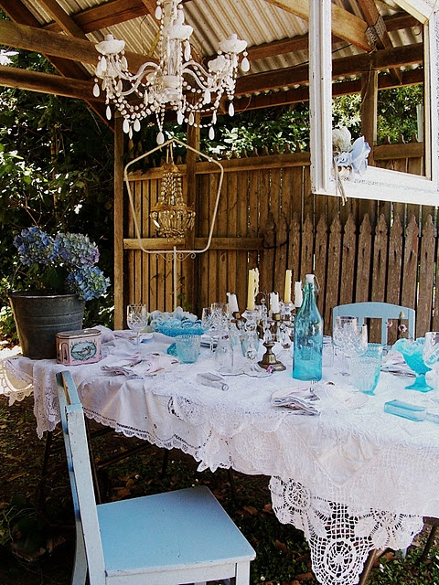 nice place to eat: Decor, Outdoor Dining, Tables Sets, Country Cottages, Idea, Shabby Chic, White Lace, Dinners Parties, Gardens Parties