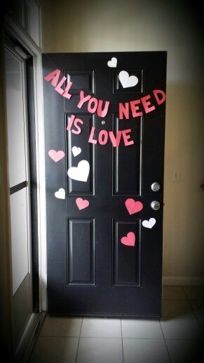 Valentines day diy door decor