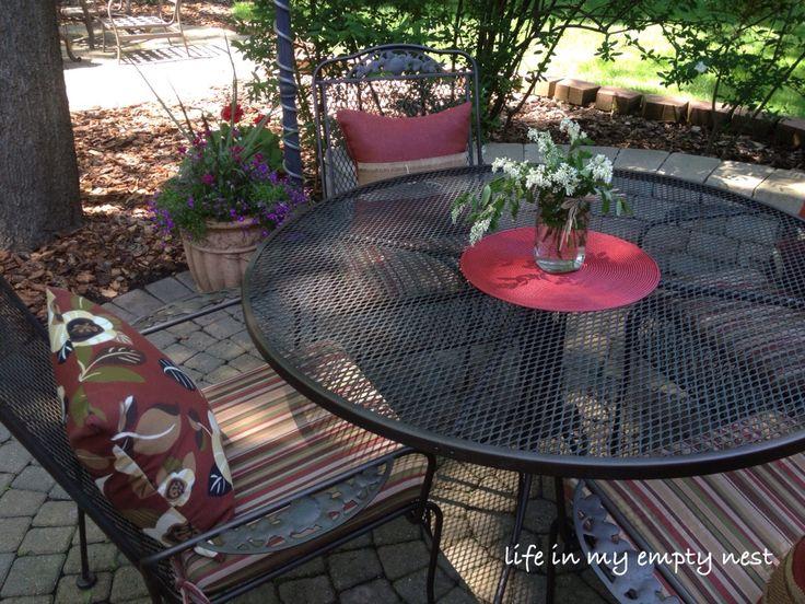 Best 25+ Iron patio furniture ideas on Pinterest   Painted ...