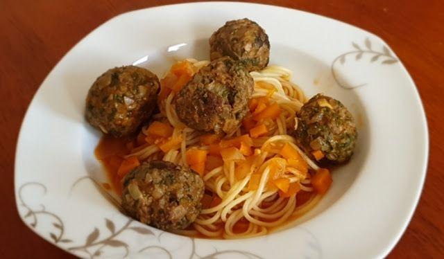 سباغيتي بكرات اللحم Meatballs Spaghetti Monster Food Cooking Spaghetti And Meatballs