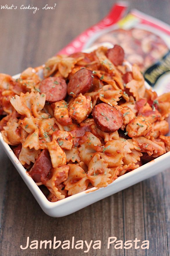 Jambalaya Pasta. A delicious dish that combines the flavors of jambalaya, chicken, kielbasa, and pasta together into an easy dinner. #PanWithAPlan #ImagineNation
