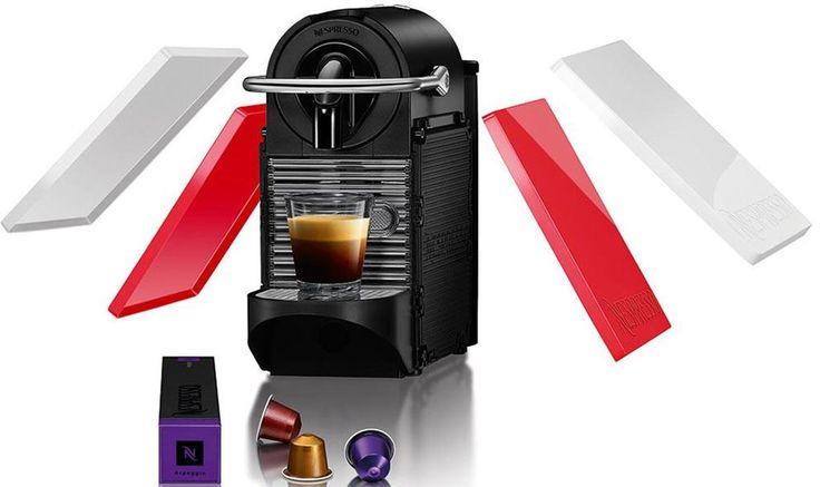 Nespresso Magimix Pixie Clips  Nespresso Magimix Pixie Clips Deze Nespresso Magimix Pixie Clips past dankzij zijn compacte formaat op elk aanrecht in elke keuken. Nadat je de Pixie Clips hebt aangezet heeft hij slechts 25 tot 30 secondes nodig om op te warmen dus je kunt een heerlijk kopje koffie zetten wanneer je maar wilt. En ben je de kleur van de Nespresso Magimix zat? Geef hem dan een make-over door de zijpanelen te verwisselen! Je kunt kiezen tussen panelen met een aantal kleuren en…