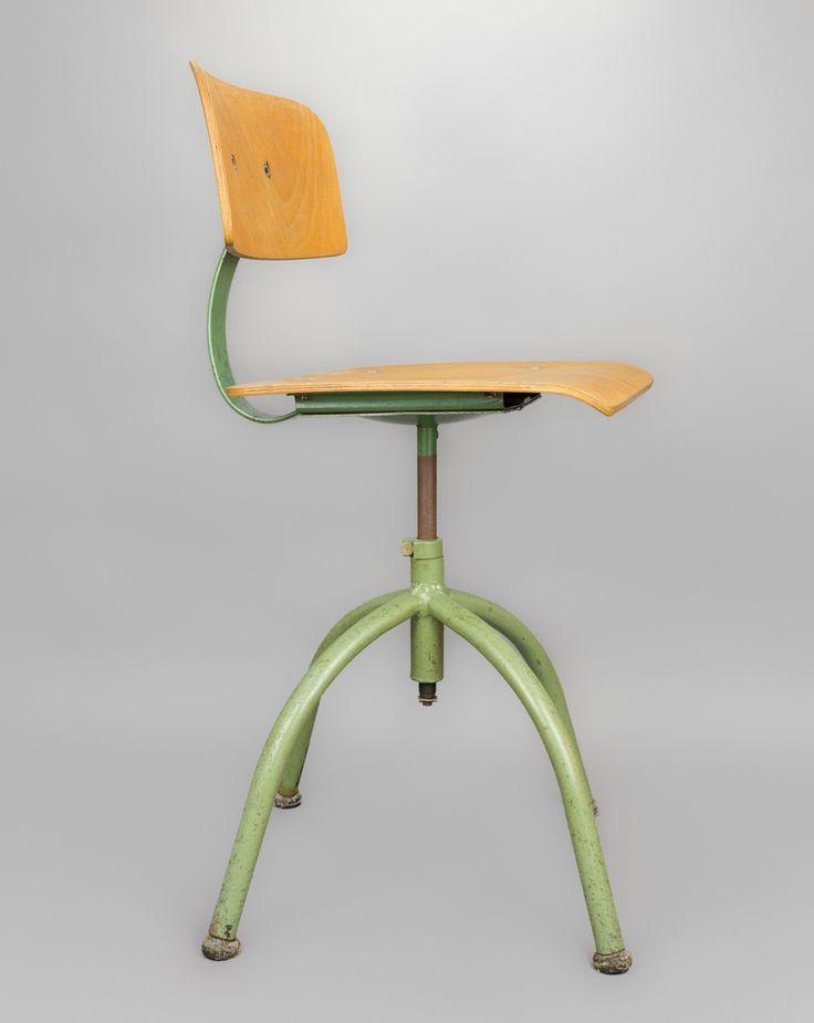 'Green Chair' #blomandblom #lighting #lamps #amsterdam #interiordesign #industrial #interior #design #furniture #clock