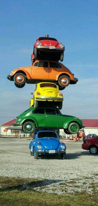 Defiance, OH. Amazing Volkswagon bug art! :)))) One of the few great things about this town!