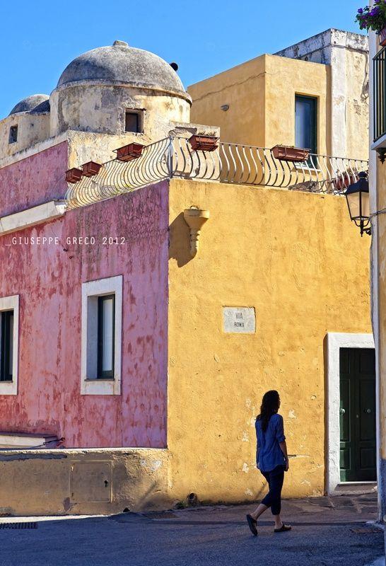 Isola di VENTOTENE COLORS    #TuscanyAgriturismoGiratola