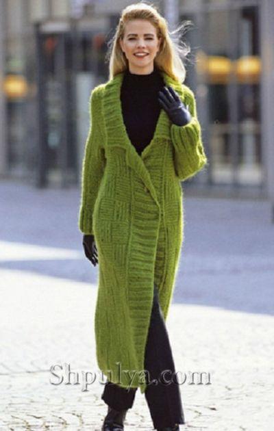 Зеленое пальто с английским воротником