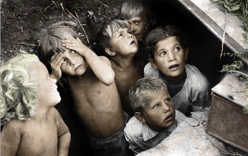 Children during the Battle of Stalingrad.: Stalingrad 1942, Wwii, Terrifying Russian, Social Photography, German Bomber, Frighten Children, Photography Blackandwhit, Luftwaffe Bombs, Russian Children
