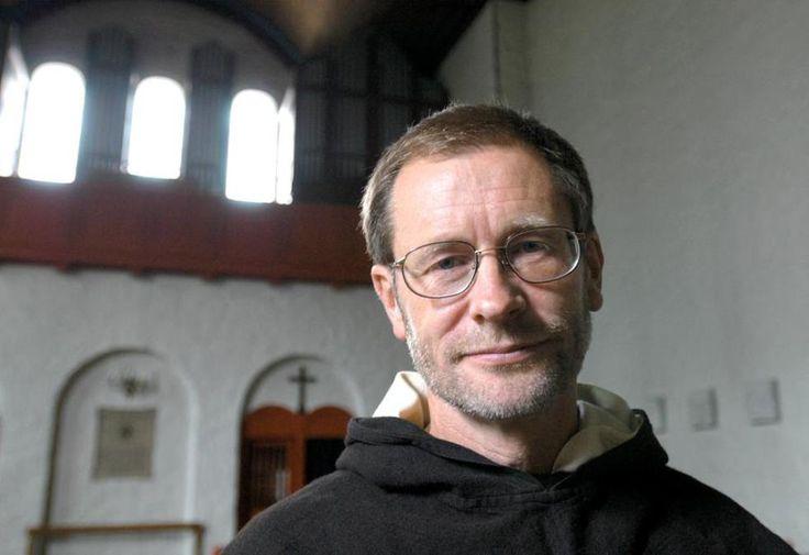 – Arnfinns fromhetsliv har satt dype spor i meg, og mange med meg. Han representerte en praktisk teologi som på sitt beste gjorde dogmer om til lovsang, skriver Kim Larsen.