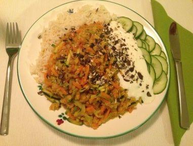 Indisches Linsengemüse mit Reis