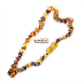 This may be an alternative to help you with general aches and pains, arthritis or eczmea. Adults can enjoy wearing baltic amber with this 45 cm long bud amber necklace in green colour beads. Match your baby with their Baby bud necklace! Extra lengths are available in 50cm and 55cm.     While Bambeado amber comes in several colours, the colour is just a matter of personal choice.