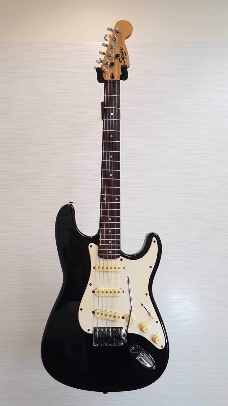 Fender Squire Stratocaster Electric Guitar (Good)