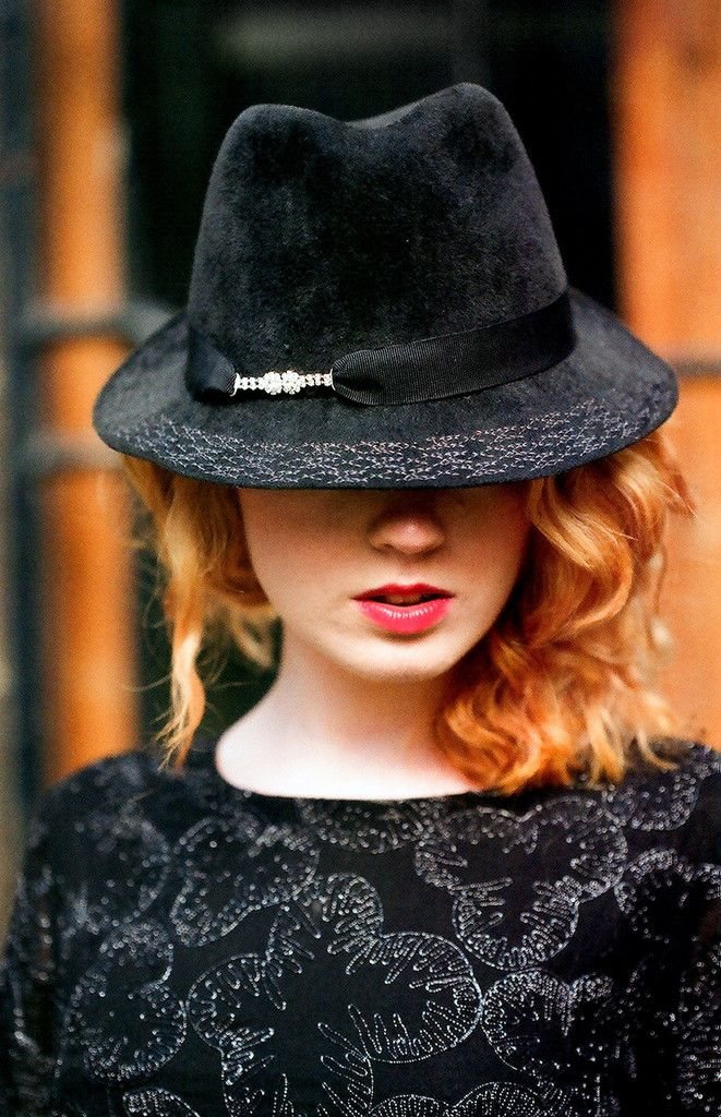 Maggie Mowbray - Trilby Hat Model. #millinery #judithm #fedora Smartly trimmed out.