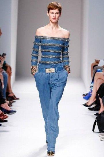 Look jeans e catene di Balmain