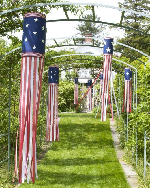 Paper Wind Streamer  Create a festive decoration that's perfect for Memorial Day