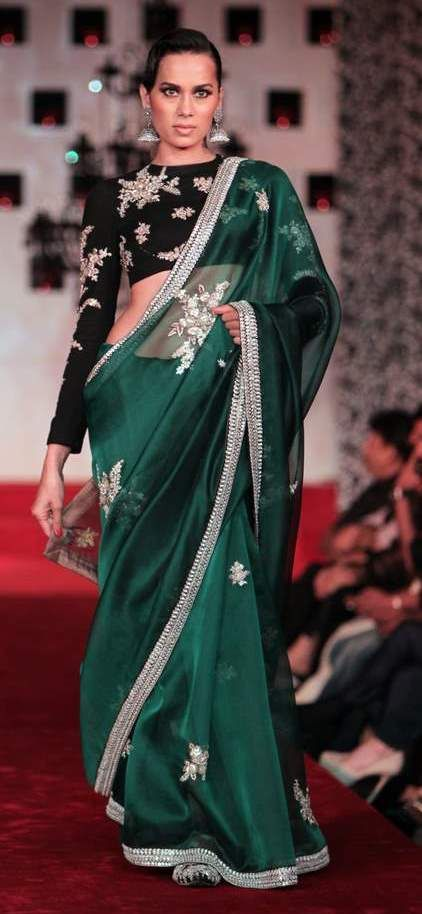 Sabyasachi_Bridal_Saree-11