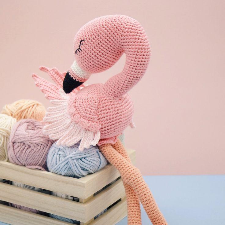 Flo the Flamingo amigurumi by LittleAquaGirl